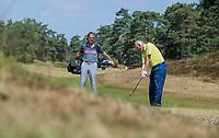 Bosch en Duin - Wim van Dijk, geboren in het clubhuis van de  Pan  met golfprofessional Bob Hesselmann , op de Pan. Bij verhaal Golf.nl . Wie Maakte Mij Golfgek.  COPYRIGHT  KOEN SUYK