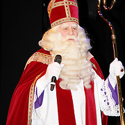 NLD/Amsterdam/20111117 - Inloop Bennie Stout in premiere voor Sinterklaas, Sinterklaas
