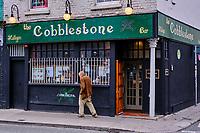 République d'Irlande, Dublin, le pub Cobblestone dans Smithfield // Republic of Ireland; Dublin, The Cobblestone pub in Smithfield