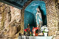 Gruta Nossa Senhora de Lourdes. Passos Maia, Santa Catarina, Brasil. / <br /> Sanctuary to Our Lady of Lourdes. Passos Maia, Santa Catarina, Brazil.