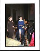 Ghislaine Maxwell, Costume Institute. Anna Wintour's party. Manhattan. 2003