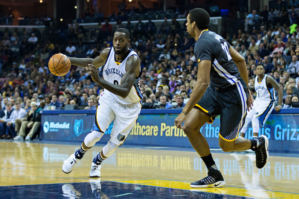 MEMPHIS, TN - DECEMBER 10:  James Ennis #8 of the Memphis Grizzlies drives to the basket during a game against the Golden State Warriors at the FedExForum on December 10, 2016 in Memphis, Tennessee.  The Grizzlies defeated the Warriors 110-89.  NOTE TO USER: User expressly acknowledges and agrees that, by downloading and or using this photograph, User is consenting to the terms and conditions of the Getty Images License Agreement.  (Photo by Wesley Hitt/Getty Images) *** Local Caption *** James Ennis