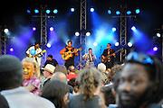 Nederland, Nijmegen, 24-5-2010MusicMeeting. Fesivalterrein in park Brakkenstein. Het mooie weer zorgde voor veel bezoekers en een goede sfeer.Optreden van Puerto Plata, Jose Cobles uit de Dominicaanse Republiek.Foto: Flip Franssen/Hollandse Hoogte