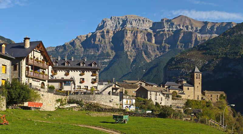 Torla y Parque Nacional de Ordesa. Pirineos. Huesca