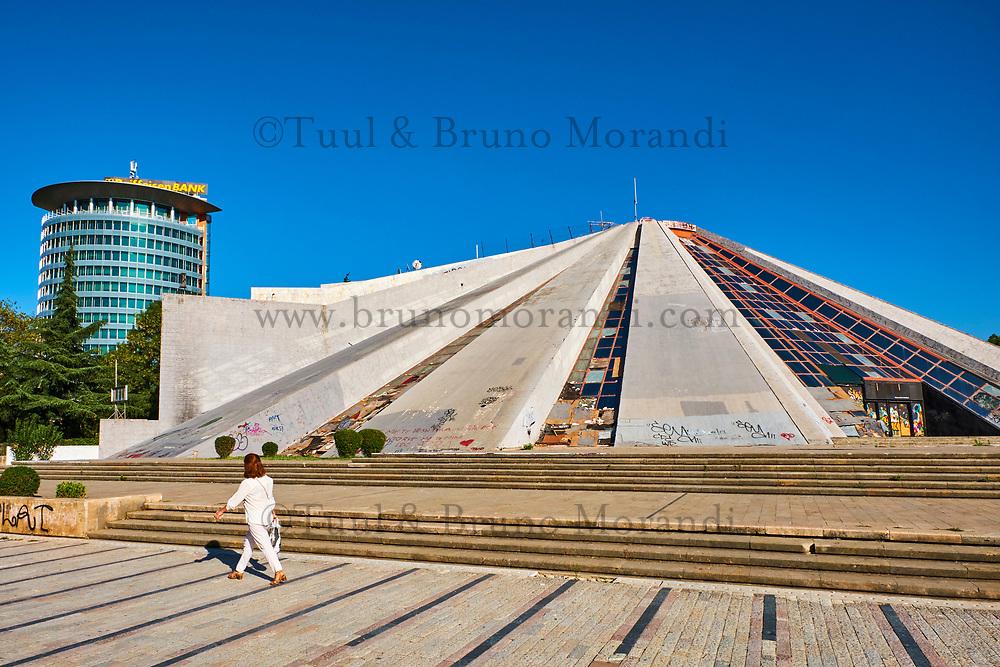 Albanie, Tirana, la Pyramide (Piramida) // Albania, Tirana, the Pyramid (Piramida)