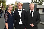 Voetbalgala 2017 in Studio 21 te Hilversum <br /> <br /> Op de foto: Kasper Dolberg met zijn ouders