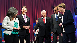 05.10.2015, Sofiensäle, Wien, AUT, ORF-Puls4 TV-Konfrontation, Elefantenrunde zur Wien-Wahl 2015, im Bild die Spitzenkandidaten v.l.n.r Maria Vassilakou (Grünen), Heinz-Christian Strache (FPÖ), Michael Häupl (SPÖ), Manfred Juraczka (SPÖ) und Beate Meinl-Reisinger (NEOS) // before Television confrontation beetwen Topcandidates for viennese state elcetion at Sofiensäle in Vienna, Austria on 2015/10/05, EXPA Pictures © 2015, PhotoCredit: EXPA/ Michael Gruber