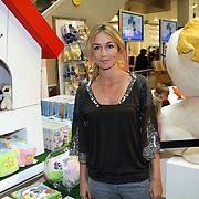 NLD/Amsterdam/20070922 - Opening Woenzel en Pip shop Bijenkorf, Wendy van Dijk