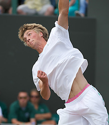 01.07.2011, Wimbledon, London, GBR, ATP World Tour, Wimbledon Tennis Championships, im Bild  Liam Broady (GBR), wearing pink Bjorn Borg underwear, in action during the Boys' Singles Semi-Final match on day eleven of the Wimbledon Lawn Tennis Championships at the All England Lawn Tennis and Croquet Club. EXPA Pictures © 2011, PhotoCredit: EXPA/ Propaganda/ David Rawcliffe +++++ ATTENTION - OUT OF ENGLAND/UK +++++