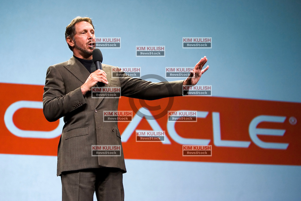 Larry Ellison, CEO Oracle Corp.,  makes his keynote address during the Oracle Open World 2005 conference, September 21, 2005 in San Francisco, California.  Ellison  said he expects tough competition from his rivals in the applications software arena.  Photo by Kim Kulish/