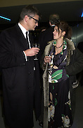 Jay Jopling and Tracey Emin. Century City Buffet dinner opening. Tate Bankside. 29 January 2001. © Copyright Photograph by Dafydd Jones 66 Stockwell Park Rd. London SW9 0DA Tel 020 7733 0108 www.dafjones.com