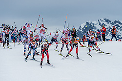 28.01.2018, Seefeld, AUT, FIS Weltcup Langlauf, Seefeld, FIS Weltcup Langlauf, 10 km Sprint, Damen, Siegerehrung, im Bild Athleten // athletes during winner ceremony of ladie's 10 km sprint of the FIS cross country world cup in Seefeld, Austria on 2018/01/28. EXPA Pictures © 2018, PhotoCredit: EXPA/ Stefan Adelsberger