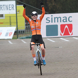 08-11-2020: Wielrennen: EK Veldrijden: Rosmalen<br /> Puck Pieterse becomes European Champion cyclocross women U23. 2nd Kata Vas (Hungary) and 3th Manon Bakker (Netherlands)