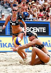 06-08-2011 VOLLEYBAL: FIVB WORLD TOUR GRANDSLAM: KLAGENFURT<br /> Marleen Van Iersel und Sanne Keizer (NED<br /> ©2011-FotoHoogendoorn.nl / Erwin Scheriau