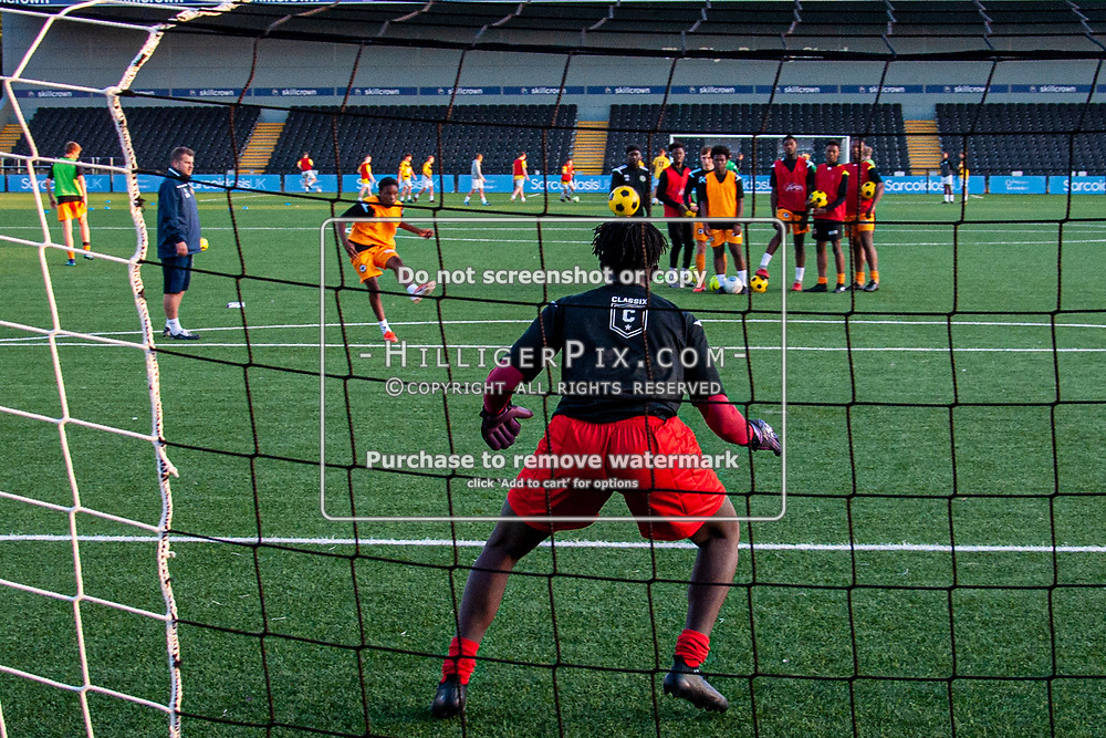 BROMLEY, UK - SEPTEMBER 18: The FA Youth Cup First Round Qualifier match between Cray Wanderers FC and Ashford United FC at Hayes Lane on September 18, 2019 in Bromley, UK. <br /> (Photo: Jon Hilliger)