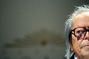 """20121101/ Nicolas Celaya - adhocFOTOS/ URUGUAY/ MONTEVIDEO/ TEATRO SOLIS/ Washington Benavides durante la ceremonia de entrega del """"Gran  Premio Nacional a la Labor Intelectual 2012"""" , en la Sala de Conferencias del Teatro Solis. <br /> En la foto: Washington Benavides durante la ceremonia de entrega del """"Gran  Premio Nacional a la Labor Intelectual 2012"""" , en la Sala de Conferencias del Teatro Solis.  Foto: Nicolás Celaya /adhocFOTOS"""