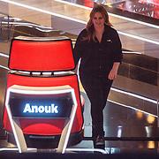 NLD/Hilversum/20160109 - 4de live uitzending The Voice of Holland 2015, zwangere coach Anouk Teeuwe