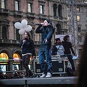 Manifestazione del Movimento 5 Stelle in Piazza Duomo a Milano.