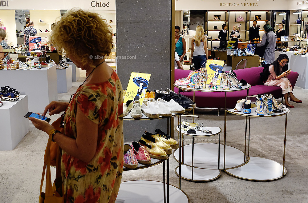 Milan, Look down generation, shopping at the Rinascente mall