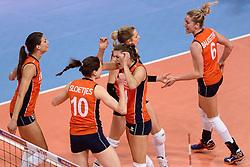 09-01-2016 TUR: European Olympic Qualification Tournament Rusland - Nederland, Ankara<br /> De strijd om Rio of Japan / Vreugde bij Nederland Robin de Kruijf #5, Lonneke Sloetjes #10, Anne Buijs #11, Debby Stam-Pilon #16, Maret Balkestein-Grothues #6