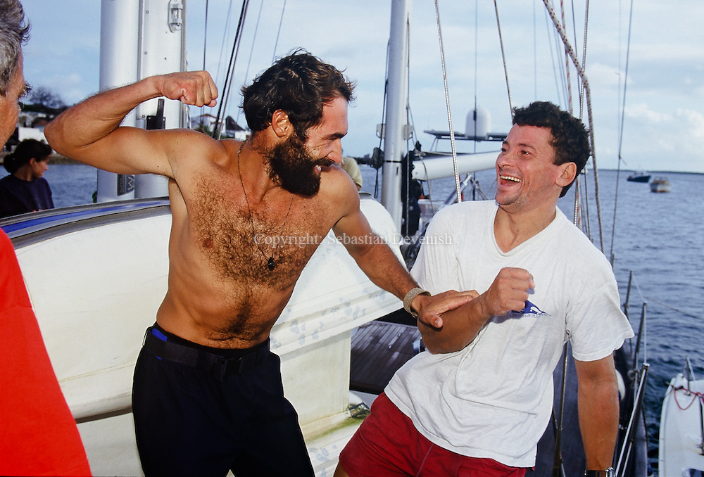 KNA000705  07/2000 Kenya<br /> ©Sebastian Devenish<br /> Mike Horn - Latitude 0¡: Mike joking with Steve Ravussin, yachtsman who prepared Mike's boat