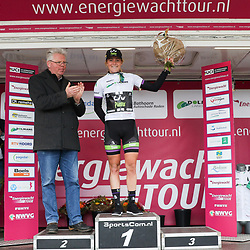 07-04-2016: Wielrennen: Energiewachttour vrouwen: Winsum<br /> WINSUM (NED) wielrennenDe tweede etappe in de Energiewacht rond Winsum werd door de wind een zware etappe. Jongerentrui Floortje Mackay