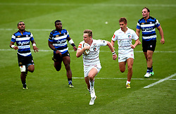 Jack Stapley of Leicester Tigers runs past the Bath Rugby defence - Mandatory by-line: Robbie Stephenson/JMP - 29/07/2017 - RUGBY - Franklin's Gardens - Northampton, England - Leicester Tigers v Bath Rugby - Singha Premiership Rugby 7s