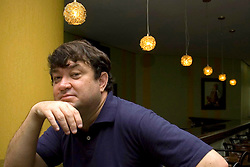 O estilista brasileiro Walter Rodrigues, reconhecido nacional e internacionalmente,  em Novo Hamburgo. FOTO: Lucas Uebel/Preview.com