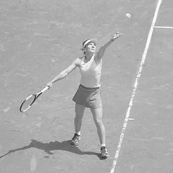 May 7, 2019 - Madrid, Spain - Simona Halep of The Romania against during day three of the Mutua Madrid Open at La Caja Magica on May 07, 2019 in Madrid, Spain. (Credit Image: © Oscar Gonzalez/NurPhoto via ZUMA Press)