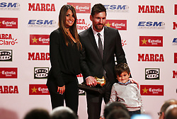 November 24, 2017 - Barcelona, Catalonia, Spain - Barcelona's Argentinian forward Lionel Messi (C), his spouse Antonella Roccuzzo (L) and their son pose for a photo within the 2017 European Golden Shoe honouring the year's leading goalscorer during a ceremony at the Antigua Fabrica Estrella Damm in Barcelona on November 24, 2017. (Credit Image: © Urbanandsport/NurPhoto via ZUMA Press)