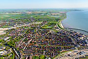 Nederland, Friesland, Harlingen, 07-05-2018; Havenmond met Nieuwe Vissershaven, Nieuwe Voorhaven, Nieuwe Willemshaven.<br /> Harbour Harlingen.<br /> luchtfoto (toeslag op standaard tarieven);<br /> aerial photo (additional fee required);<br /> copyright foto/photo Siebe Swart