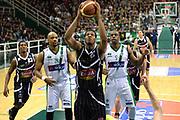 DESCRIZIONE : Avellino Lega A 2013-14 Sidigas Avellino-Pasta Reggia Caserta<br /> GIOCATORE : Roberts Chris<br /> CATEGORIA : tiro<br /> SQUADRA : Pasta Reggia Caserta<br /> EVENTO : Campionato Lega A 2013-2014<br /> GARA : Sidigas Avellino-Pasta Reggia Caserta<br /> DATA : 16/11/2013<br /> SPORT : Pallacanestro <br /> AUTORE : Agenzia Ciamillo-Castoria/GiulioCiamillo<br /> Galleria : Lega Basket A 2013-2014  <br /> Fotonotizia : Avellino Lega A 2013-14 Sidigas Avellino-Pasta Reggia Caserta<br /> Predefinita :