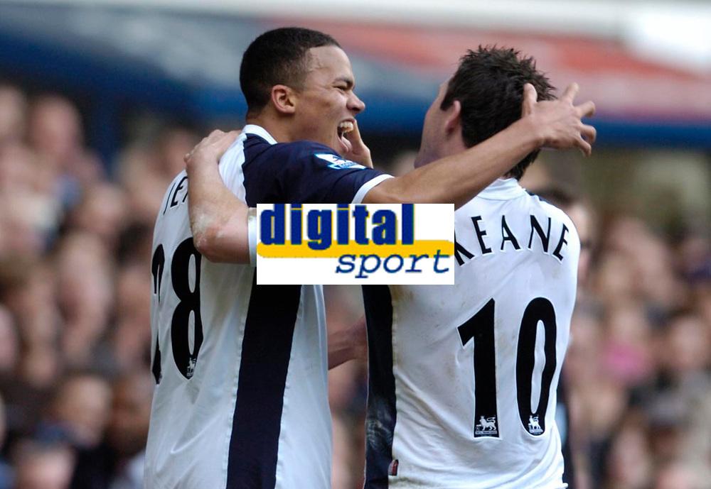 Photo: Leigh Quinnell.<br /> Tottenham Hotspur v Charlton Athletic. The Barclays Premiership. 05/02/2006. Tottenhams Jermaine Jenas(L) celebrates his goal with Robbie Keane.