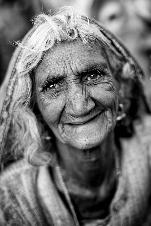Portrait of Hindu woman. Photo by Lorenz Berna