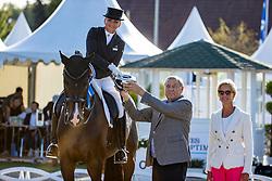 SCHNEIDER Dorothee (GER), Faustus 94<br /> Siegerehrung<br /> Deutsche Meisterschaft der Dressurreiter<br /> Klaus Rheinberger Memorial<br /> Nat. Dressurprüfung Kl. S**** - Grand Prix Special<br /> Balve Optimum - Deutsche Meisterschaft Dressur 2020<br /> 19. September2020<br /> © www.sportfotos-lafrentz.de/Stefan Lafrentz