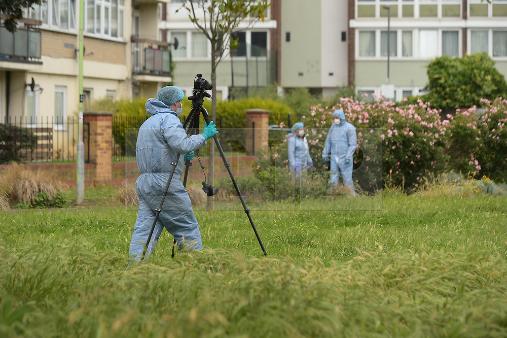 © Licensed to London News Pictures. 15/06/2019. London UK: Police and Forensic officers at the scene of a fatal stabbing in Alton street, Poplar in Tower Hamlets where a male in his thirties was discovered with stab wounds. Photo credit: Steve Poston/LNP