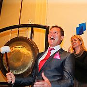 NLD/Amsterdam/20110125 - Opening Amsterdamse Effectenbeurs door cast Legally Blond, Albert Verlinde heeft de beurs geopend