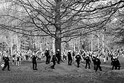 2021 1 April  Brussel Belgium Duizenden jongeren waren afgezakt naar het Terkamerenbos voor een La Boum house party. het bleek een 1 april grap van kunstenaars te zijn, maar omdat er zoveel mensen tegelijk in het park waren moest de politie ingrijpen