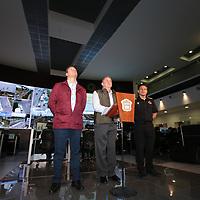 TOLUCA, México.- (Septiembre 08, 2017).- José Manzur Quiroga, Secretario General de  Gobierno, acompañado por Eduardo Valiente, titular de la CESC y César Nomar Gómez Monge, Secretario de Salud, reporto que hasta el momento se tienen contabilizadas 128 escuelas y 18 hospitales  con afectaciones por el sismo. Agencia MVT / Crisanta Espinosa.