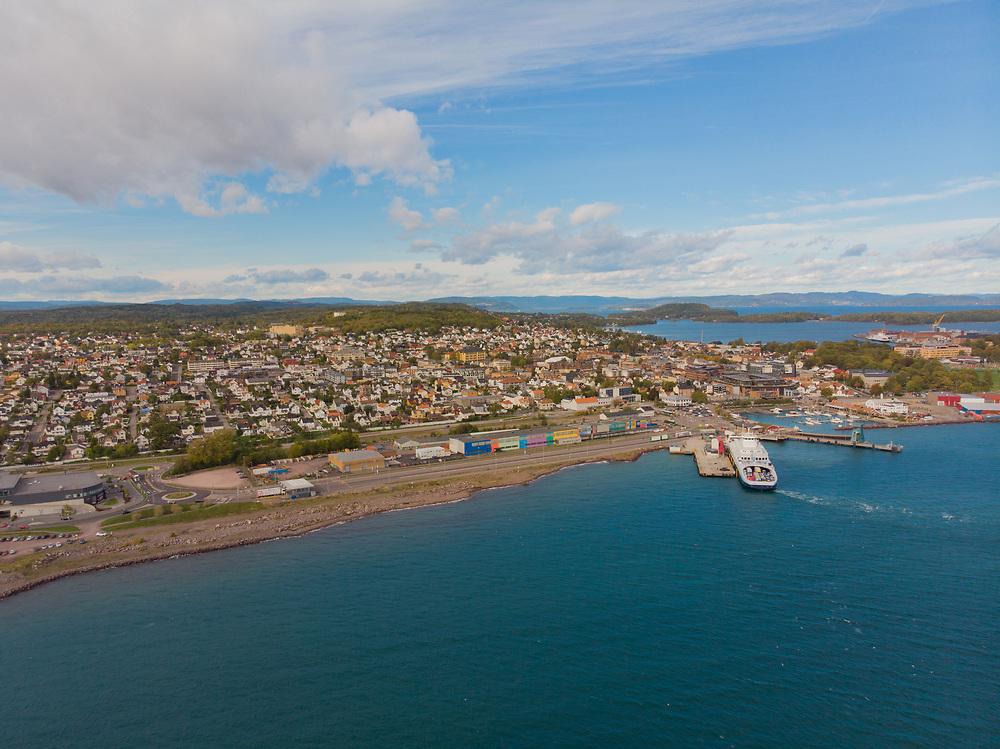 Luftfoto som viser Horten - en norsk kystby og kommune i landskapet Vestfold i Vestfold og Telemark fylke.