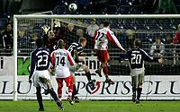 Fotball, Viking Stadion, 20/10-05, Viking - Monaco, <br /> Anthony Basso ryddet opp i feltet, David Gigliotti,<br /> Foto: Sigbjørn Andreas Hofsmo, Digitalsport
