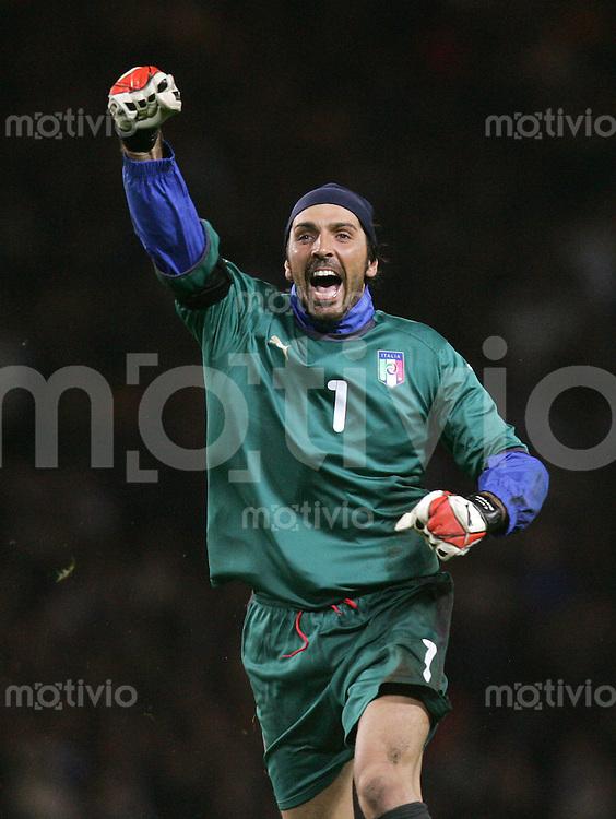 Fussball   International   EM Qualifikation   Schottland 1-2 Italien JUBEL ITA ; Torwart Gianlugi Buffon
