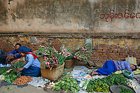 Myanmar (ex Birmanie), Province de Mandalay, marché de Pagan ou Bagan // Myanmar (Burma), Mandalay Province, market of Pagan or Bagan