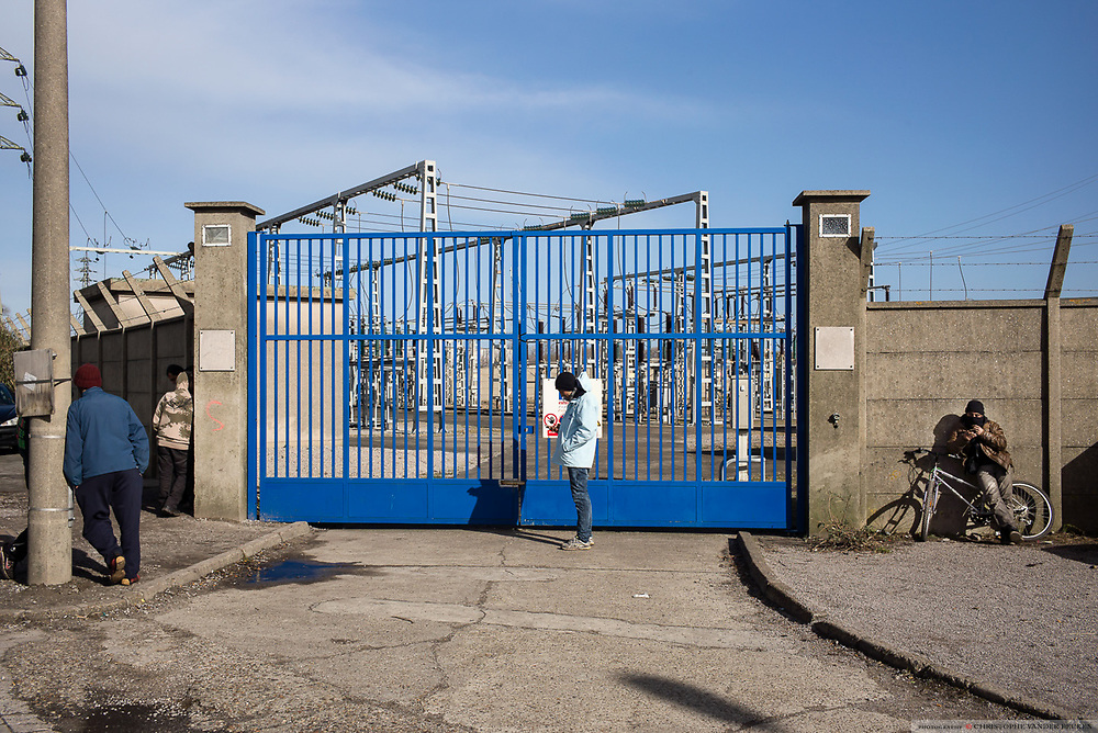France, Calais, 23 Februari 2015, Near the jungles of Tioxide, there is an electricitydistributionpoint where the migrants can tap wifi and get in contact with friends and family.