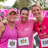 REPRO FREE<br /> Siobhan Green, Maeve Wallace and Joanne Blennerhassett from Kinsale pictured at the 2019 Kinsale Pink Ribbon Walk in aid of the Irish Cancer Society Action Breast Cancer.<br /> Picture. John Allen