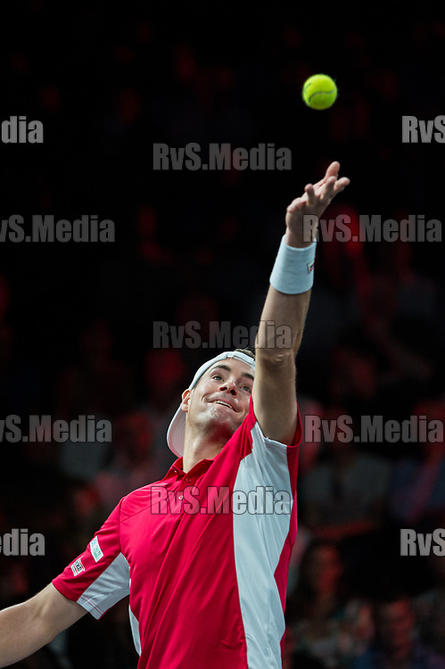 GENEVA, SWITZERLAND - SEPTEMBER 22: John Isner of Team World serves during Day 3 of the Laver Cup 2019 at Palexpo on September 20, 2019 in Geneva, Switzerland. The Laver Cup will see six players from the rest of the World competing against their counterparts from Europe. Team World is captained by John McEnroe and Team Europe is captained by Bjorn Borg. The tournament runs from September 20-22. (Photo by Robert Hradil/RvS.Media)