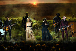 Karen Fairchild, Kimberly Schlapman, Jimi Westbrook, and Phillip Sweet, Little Big Town bei den 50. Country Music Awards in Nashville / 021116<br /> <br /> *** Country Music Awards 2016, Nashville, USA, November 2, 2016 ***