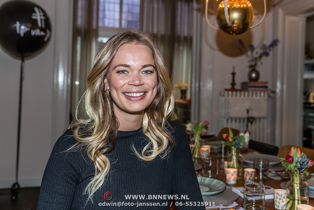 NLD/Amsterdam/20170109 - boekpresentatie Jet van Nieuwkerk - Tips van Jet,