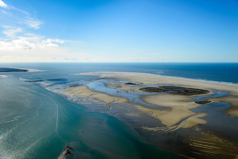 Nederland, Friesland, Vlieland, 28-02-2016; West-Vlieland met de Vliehors. Militair oefenterrein van de Koninklijke Luchtmacht, voormalige Cavalerie Schietkamp.  Texel aan de horizon.<br /> Wadden island Vlieland. Vliehors, military training grounds, North sea, Wadden sea. <br /> luchtfoto (toeslag op standard tarieven);<br /> aerial photo (additional fee required);<br /> copyright foto/photo Siebe Swart