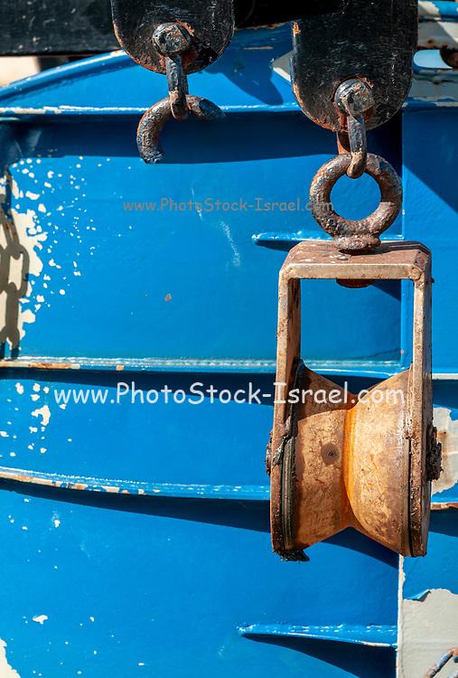 Rusty pulley block